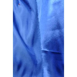 Modrá saténová podšívka