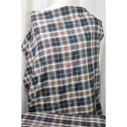 Košilová látka s hnědým kárem