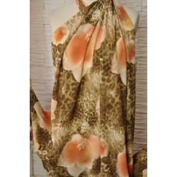 Šatovka s oranžovým květem