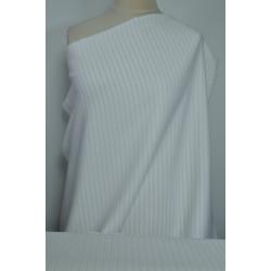 Bílá kostýmovka s proužkem