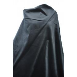 Samet, černá barva