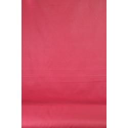 Malinově červená bavlna